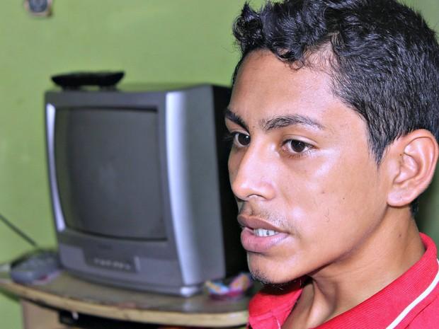 Padeiro Jonatan lembra do contato com turistas e das gorjetas (Foto: Marcos Dantas)