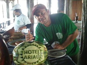 Adonias espera receber direitos trabalhistas e diz que trabalhava 'com amor' no hotel (Foto: Arquivo Pessoal)