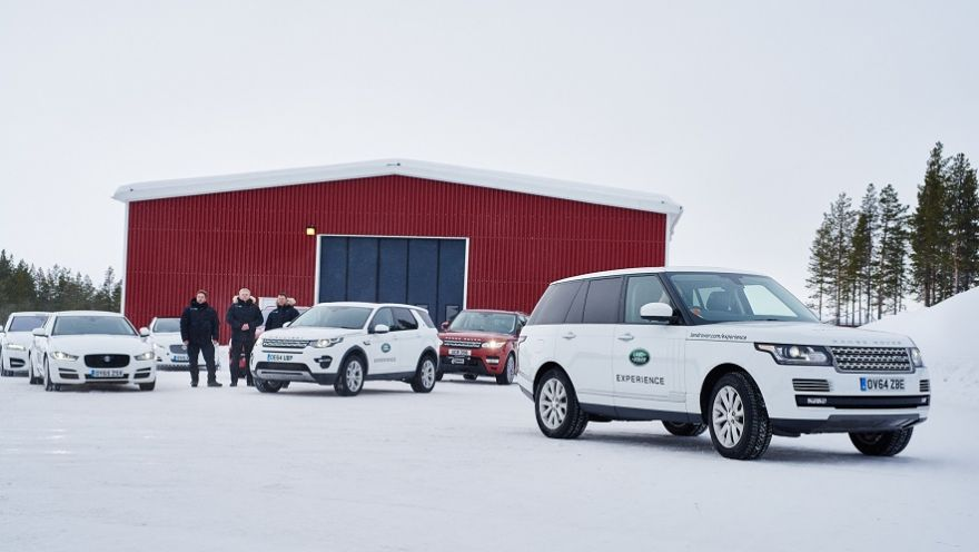 Dirigir no Meio do Círculo Polar Ártico com  Jaguar  Land Rover