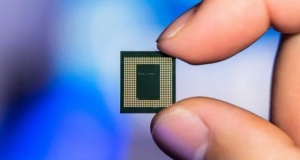 Qualcomm's Snapdragon 865 Promises Big Improvements in Cameras, Gaming, and More